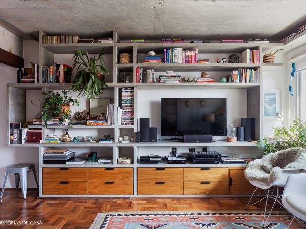 L005 - Apartamento detalhe concreto - 07 decoracao apartamento estante de concreto sala de estar