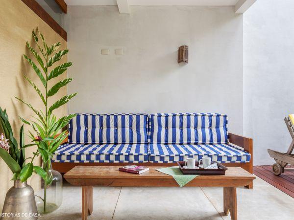 L003 - Casa com jardim - 03 decoracao casa de praia colorida varanda moveis rusticos