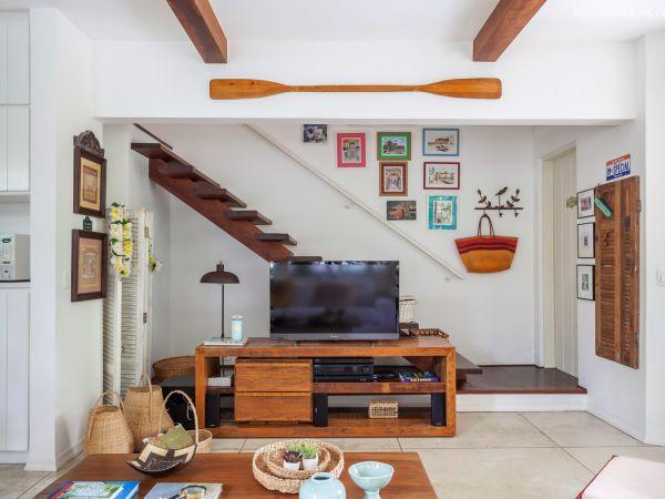 L003 - Casa com jardim - 12 decoracao casa de praia sala moveis rusticos madeira